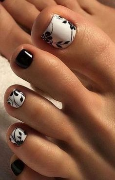 27 Adorable Easy Toe Nail Designs 2020 – Simple Toenail Art Designs : Page 14 of 25 : Creative Vision Design – nageldesign. Simple Toe Nails, Pretty Toe Nails, Cute Toe Nails, Fancy Nails, My Nails, Fall Toe Nails, Pretty Toes, Jamberry Nails, Black Nails