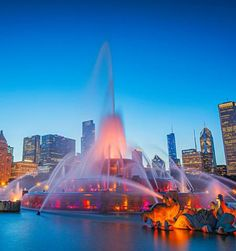 From the travel experts at Midwest Living, here is a list of Chicago's best attractions, including museums, gardens, sports and music.