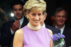 November 1, 1996: Diana, Princess of Wales officially opens the Victor Chang Cardiac Research Institute in Sydney, Australia.