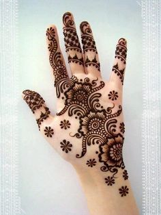 Arabian climbers - three flower/full fingers/leaves pattern  #henna #mehndi #tattoo