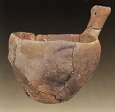 Emporio, Chios. Bowl. Final Neolithic (c. 4500-3200 BC).  Chios Museum 1601. Hellenic Ministry of Culture/ARF.    Papathanasopoulos, G.Α. (ed.), Neolithikos Politismos stin Ellada,  N.P. Goulandris Foundation-Museum of Cycladic Art,  Athens 1996, cat. no. 150.    © Hellenic Ministry of Culture