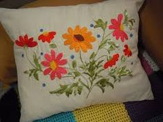 Resultado de imagem para pinterest almofadas bordadas