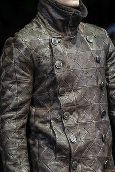 Giorgio Armani - Men Fashion Fall Winter 2013-14.... Armani never misses, he ALWAYS gets it right!!!