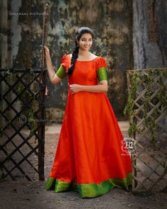 Stylish Ethnic Long Dress To Re-use Old Silk Sarees - Kurti Blouse Indian Gowns Dresses, Indian Fashion Dresses, Dress Indian Style, Saree Fashion, Maxi Dresses, Simple Gown Design, Long Dress Design, Long Gown Dress, Long Frock