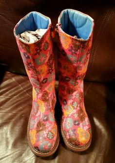Darling Oilily Girl's Pink and Orange Floral boots. Size 35.