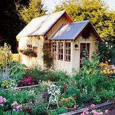 Cottage Style A playful profusion of flowers, whimsical sculptures, and found objects see tone