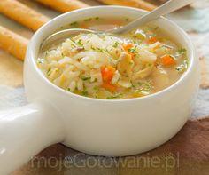 Zupa z kurczaka z warzywami shutterstock.com