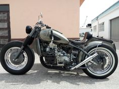 Bmw 100, Jeep Garage, Super 4, Bobber Chopper, Cool Motorcycles, Classic Bikes, Custom Bikes, Motorbikes, Retro