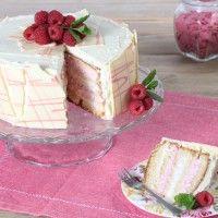 Recept: Witte chocolade taart met frambozen - Taart - Recepten   Deleukstetaartenshop.nl