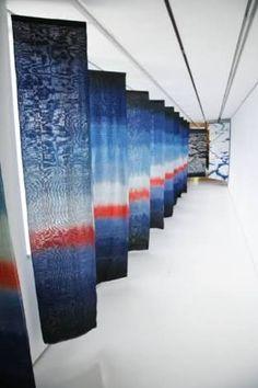 佐藤きわ子さんの染織作品展で展示された作品。
