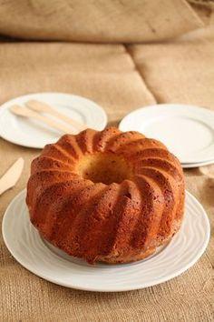 Κέικ κανέλας και giveaway - The one with all the tastes Sweets Recipes, Baking Recipes, Cake Recipes, Desserts, Cake Cookies, Cupcake Cakes, Chocolate Fudge Frosting, Greek Sweets, Cinnamon Cake