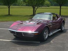 Stall - 1970 Corvette and its in my favorite color! Sexy Cars, Hot Cars, My Dream Car, Dream Cars, Engine Detailing, Classic Corvette, Chevrolet Corvette Stingray, Old School Cars, Hot Rides