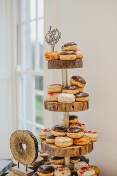 Glorious greenery, edgy illustrations and mix and match bridesmaids - you'll find them all in this super cool real wedding at Horetown House! Wedding Planning Tips, Budget Wedding, Wedding Tips, Wedding Day, Wedding Dreams, Event Planning, Winter Wedding Cupcakes, Doughnut Wedding Cake, Wedding Cake Prices