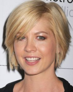 Short modified bob    Jenna Elfman (right) wears a short layered hairstyle that is a modification of the bob. It features long side-swept bangs and long layers that aren't too choppy. This haircut is nice for women of all ages but would be especially flattering for more established women.