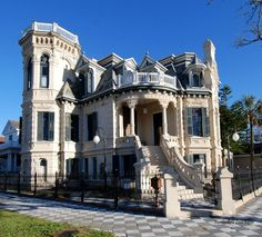 Love Historic homes -- This is Trube Castle in Galveston, TX -- 1890 Victorian. Victorian Homes Exterior, Old Victorian Homes, Victorian Architecture, Beautiful Architecture, Beautiful Buildings, Beautiful Homes, Architecture Design, Victorian Houses, Victorian Interiors