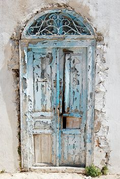 The stories these old doors could tell ~❥