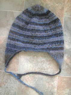 my number 1 favorite earflap hat pattern. easily altered to be done in the round and fun to embellish