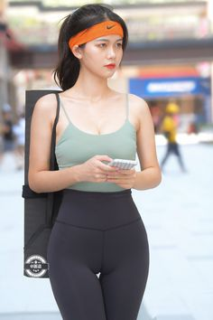 Asian Cute, Cute Asian Girls, Asian Model Girl, Girl Model, Sporty Outfits, Cute Outfits, High Fashion Poses, Looks Pinterest, Girls In Leggings