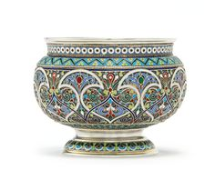 A Russian gilded silver and cloisonné bratina, Moscow, Russian Beauty, Russian Art, Vases, Pots, Mosaic Designs, Pottery Painting, Silver Enamel, Decorative Objects, Art Decor
