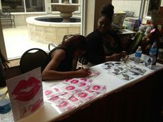 Grande' and Jet'aime in Atlanta signinh cds after performing