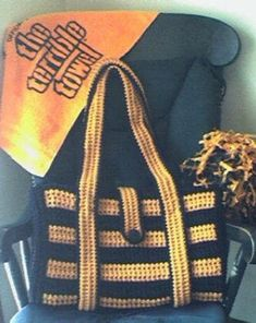Free Crochet Patterns for Football Season! A collection on Mooglyblog.com ༺✿Teresa Restegui http://www.pinterest.com/teretegui/✿༻
