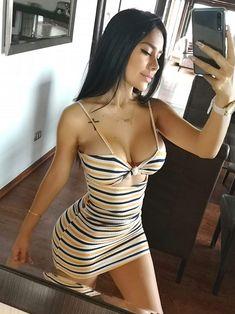 Girl In Minifalda Hot