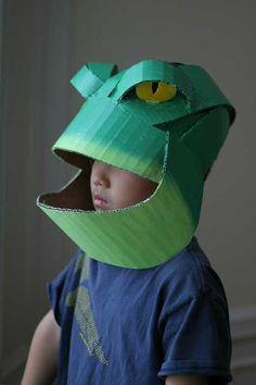 Cover up with cardboard! Cardboard Costume, Cardboard Mask, Cardboard Sculpture, Cardboard Paper, Cardboard Crafts, Diy Costumes, Halloween Costumes, Frog Mask, Owl Mask