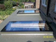 These contemporary skylights add plenty of natural light to this flat roof extension. Contemporary Skylights, Contemporary Front Doors, Single Storey Extension, Roof Extension, Extension Ideas, Extension Google, Flat Roof Skylights, Roof Lantern, Roof Window