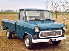 Ford Transit Pick-up Small Trucks, Cool Trucks, Big Trucks, Pickup Trucks, Jeep Pickup, Ford Lincoln Mercury, Volkswagen Transporter, Ford Gt40, Vintage Vans