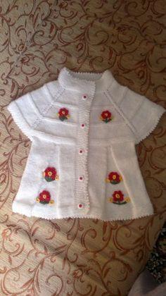 Merhaba örgü seven bayanlar sizlere şirinmi şirin minik prenseslerinize çok yakışacak bir bebek yeleği modeli hazırladım.Yeleği bitirir bitirmez resimleri ...