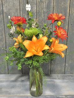 There are many flower shops and independent florists that offer free flower delivery in Minot, ND. You can make an order in advance to send flowers to your special someone or a dearest friend. Send Flowers, Fresh Flowers, Wedding Flowers, Do Your Best, Flower Delivery, Amazing Flowers, First Love, Valentines Day, Glass Vase