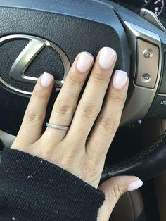 Pin on Nageldesign - Nail Art - Nagellack - Nail Polish - Nailart - Nails Dip Nail Colors, Sns Nails Colors, Nude Nails, White Nails, Coffin Nails, Light Pink Acrylic Nails, Yellow Nail, White Nail Polish, Hair And Nails