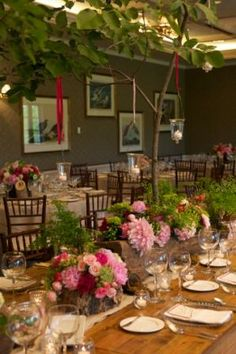Floral Design by BE Married / bruceewinglandscaping.com | Event Rentals by apartyapart.com
