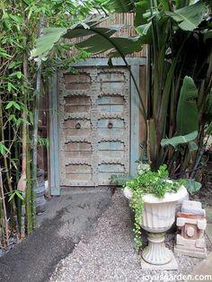 An Enchanted Balinese Style Garden | Joy Us GardenJoy Us Garden