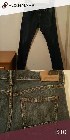 Trendy Men's Old Navy Blue Jeans Trendy Men's Old Navy Blue Jeans...Size 33X32... 100% Cotton Old Navy Jeans Straight