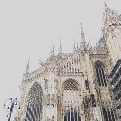 Duomo di Milano #milano #duomo #architecture #architecturelovers #sky #landscape #panorama #paesaggio #architettura #buongiorno #vivomilano #volgomilano #igersmilano