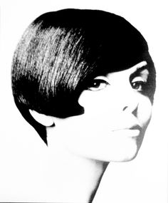 The 1960s were an interesting decade for hairstyles. Women started out with big hair and moved on to more simplistic hairstyles, as they're ...