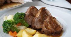 Solomillo de cerdo al vino tinto Hoy os propongo una receta muy sencilla pero muy buena para p...