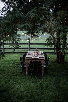 gathering from scratch: a workshop retreat pt. gathering from scratch: a workshop retreat pt. 2 Love an al fresco dining spot! For some great dining homewares inspiration to show off your outdoor space in style take a peek here www. Outdoor Dining, Outdoor Spaces, Dining Table, Wood Table, Dining Rooms, Local Milk, Shenandoah Valley, Al Fresco Dining, Outdoor Entertaining