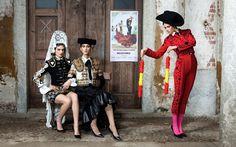 Moschino Archive Shoot Moschino fashion label's archive, shot in the beautiful Casa Bossi, Novara for ODDA magazine. FASHION PHOTOGRAPHER | LUCIA GIACANI FASHION EDITOR | ALBA MELENDO MAKE UP | ALESSANDRA ANGELI HAIR STYLIST | RORY RICE MODELS | RENATA SCHEFFER, BRITT WOOD, TAMARA HATZLACZKI PROP STYLIST | MARINA LUBRANO FASHION CONTRIBUTOR | ISMAELE FURLAN SPECIAL THANKS | MAXWELL GOODWAY, STEFANO BALDI & CASA BOSSI www.luciagiacani.com #ODDA #luciagiacani #fashioneditorial #MOSCHINO