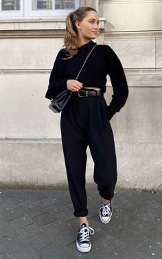 Casual Work Outfits, Basic Outfits, Sporty Outfits, Fashion Outfits, Casual Street Style, Casual Chic, Edgy Style, Normcore Looks, Black Outfit Edgy