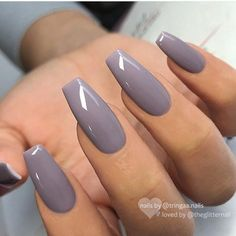 Pin by Lisa Firle on Nageldesign - Nail Art - Nagellack - Nail Polish - Nailart - Nails Coffin Nails Long, Long Nails, Acrylic Nails Coffin Grey, Coffin Acrylics, Coffin Shape Nails, Acrylic Nails Coffin Kylie Jenner, Tumblr Acrylic Nails, Long Round Nails, Long Nail Art