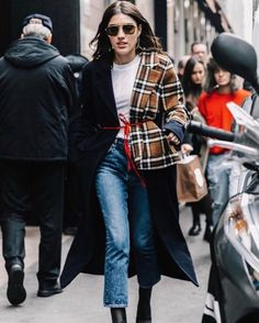 @patriciamanfield takes the streets in the Riley Crop. Shop the hi rise straight leg at the link in our bio. #LiveAGOLDE