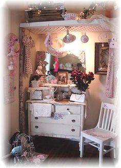 Missfitrosey Handpainted Vintage Shabby Rose,