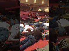 Vídeo mostra homens adorando Deus - https://radioc.org/video-mostra-homens-adorando-deus-385/