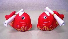 兵庫 西宮神社(西宮えびす)の鯛みくじ  飛び跳ねたような姿がなんとも縁起が良さそうでめで鯛!