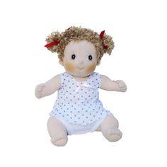 Rubens Barn Sofie is een ontzettend lief blond popje. Zij is 36 cm lang, weegt 350 gram en is heel geschikt voor de allerkleinsten. Sofie past alle dierenpakjes maar ze heeft ook een hip spijkerjurkje met gestreepte legging en t-shirt.
