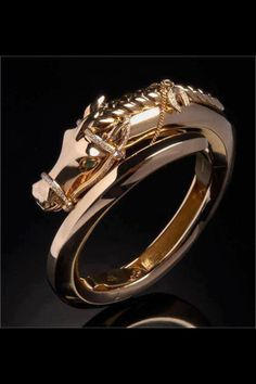 Cute Gold Horse Ring!