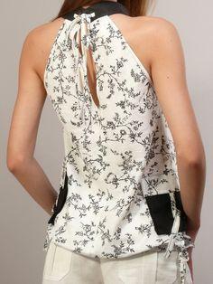 Белая блузка с шортами - студийная модельная каталожная фотосъемка для интернет-магазина - Folov.in