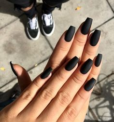 Black nails maybe a dark color, but if you favor more shiny shades. So, we have found black nails with glitter nail art ideas to copy in Black Coffin Nails, Acrylic Nails Coffin Short, Matte Black Nails, Simple Acrylic Nails, Best Acrylic Nails, Black Nails Short, Nail Black, Pointy Black Nails, Black Almond Nails